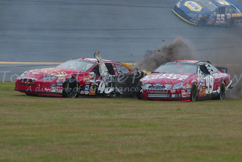 Kyle Petty and Carl Edwards tangle at Daytona.