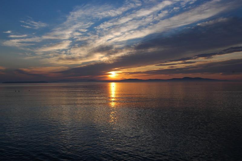050422 3188 Canada - Victoria - Agate Lane Sunrise _I ~E ~L.JPG