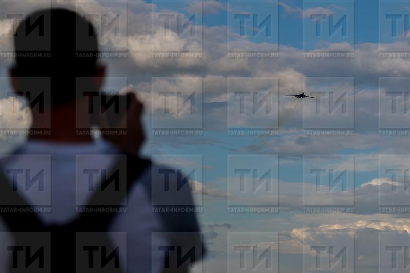 РОССИЯ. КАЗАНЬ. 07.08.2018 - Репетиция к празднику Я выбираю небо (фото: Ильнар Тухбатов/ ИА Татар-Информ) ТУ-160