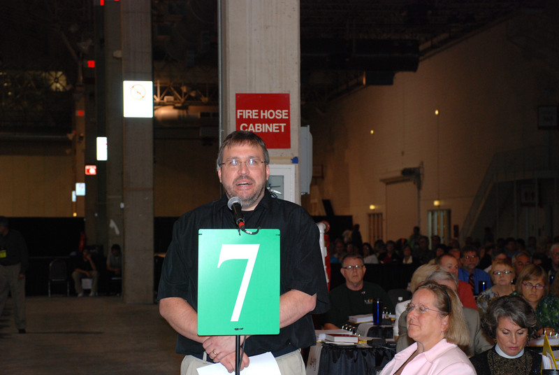 Voting Member supporting a CWA amendment in Tuesday's Plenary session.