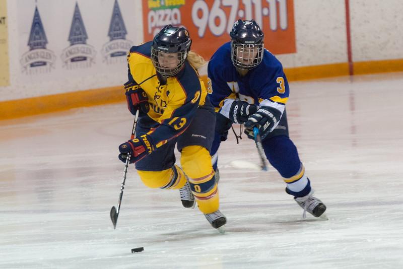 20130310 QWHockeyvsUBC 345.jpg