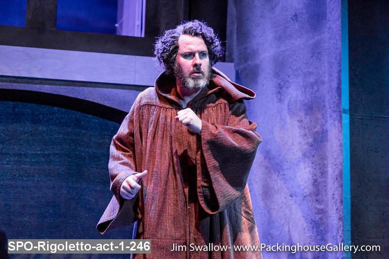 SPO-Rigoletto-act-1-246.jpg