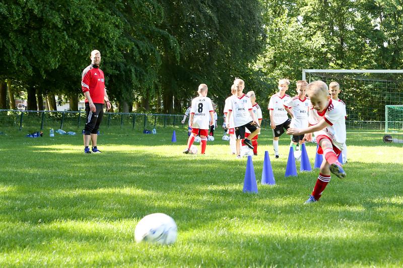 hsv_fussballschule-102_48047949491_o.jpg