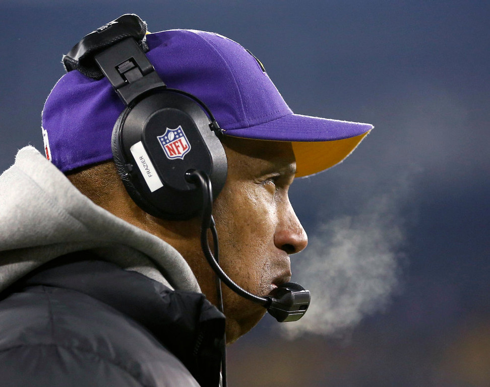 . Minnesota Vikings head coach Leslie Frazier looks on as his team plays the Green Bay Packers during their NFL NFC wildcard playoff football game in Green Bay, Wisconsin, January 5, 2013.  REUTERS/Tom Lynn