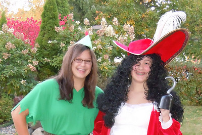 2010 10 05:  Costumes [PPan, Hook]