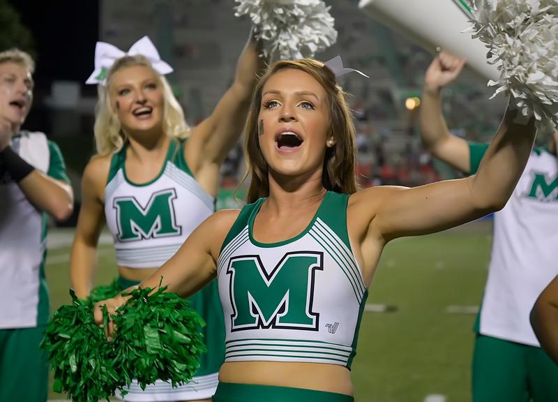 cheerleaders8907.jpg