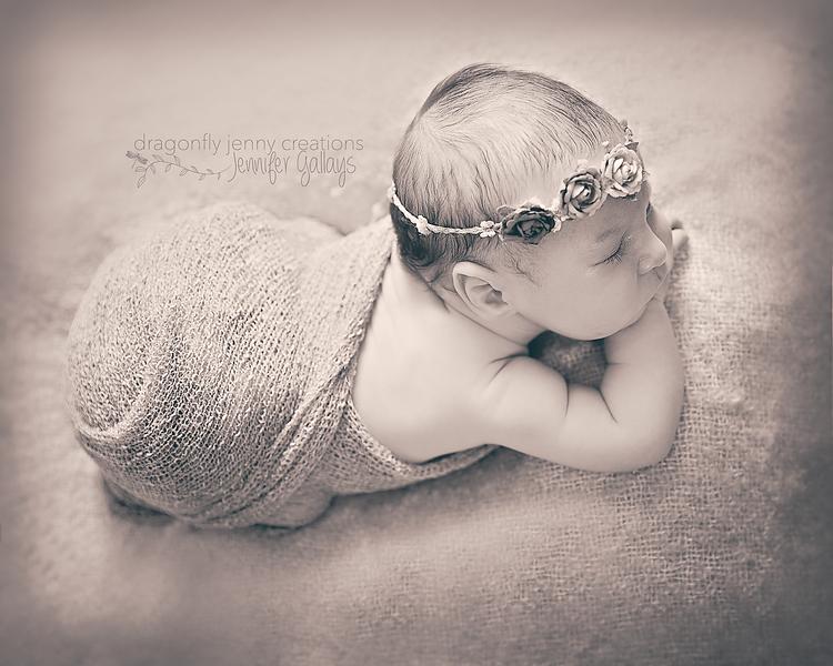 Newborn-107BW.png
