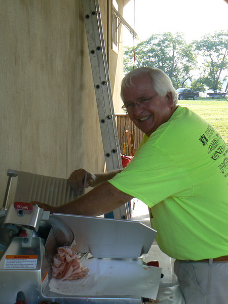 Bob Elliott did a fabulous job with the food... god love him!
