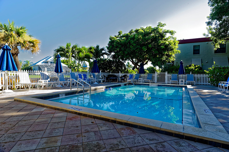 Sanibel Moorings Canalside Pool