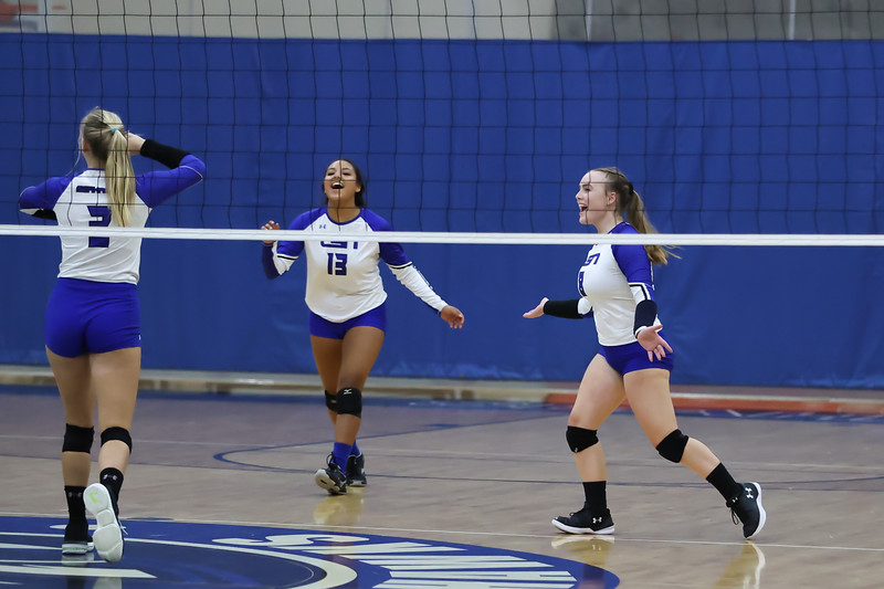 10.5.20 CSN Varisity VB vs PRHS - Senior Night-12.jpg