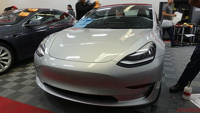 Tesla Model 3 - Silver Metallic