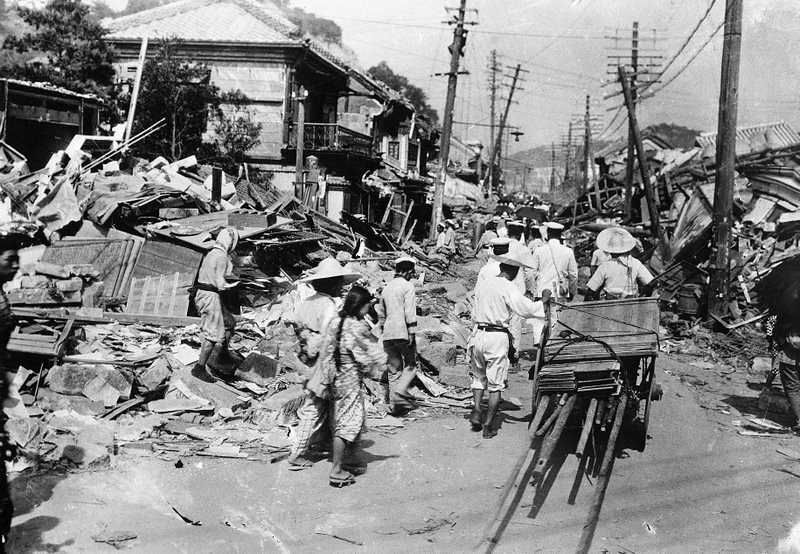 Original caption: 10/4/1923-Tokyo, Japan- Cleaning up the wreckage: Tokyo began to clean her streets of debris Monday morning, despite the quakes that continued. October 4, 1923 Tokyo, Japan