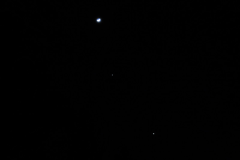 Moon, Venus & Jupiter Align - February 27th 2012