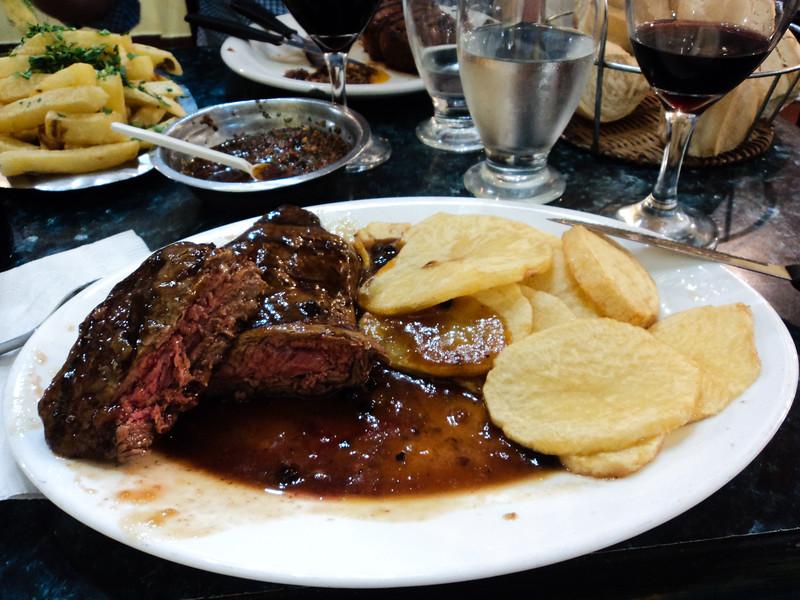steak-des-nivels-steak-in-pepper-sauce_6047379637_o.jpg