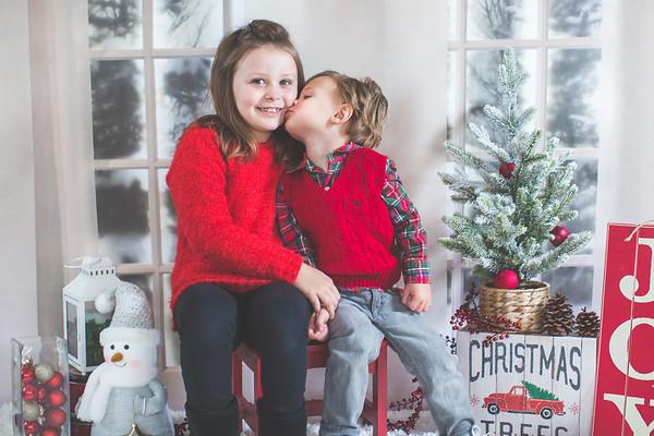 2020 PORTRAITS  |  Natalie + Oliver Holiday