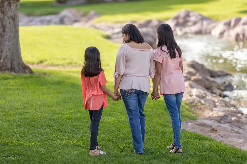 Urvi Family-207.jpg