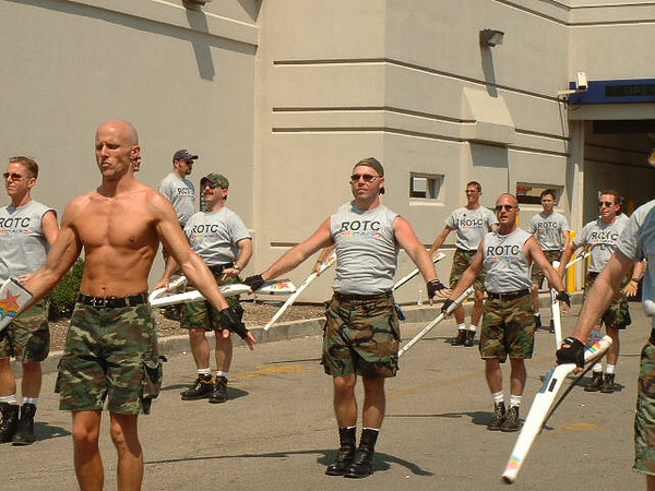 Pride Parade 2001-34-1.jpg