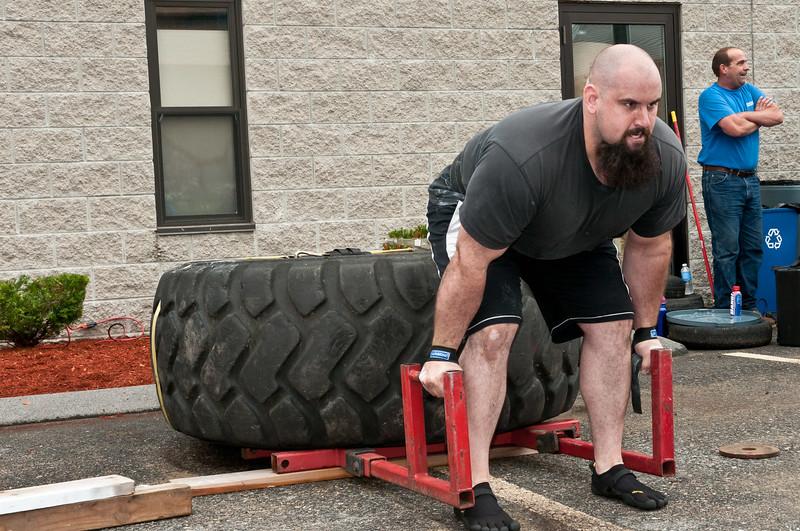 Fitness Revolution Strongman Challenge 2011_ERF3874.jpg
