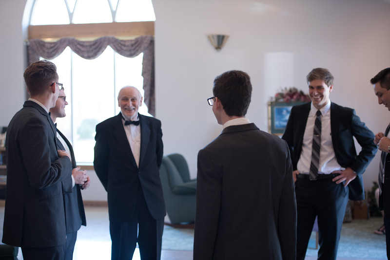 Drew and Taylor - Before the Ceremony  (184 of 216).jpg