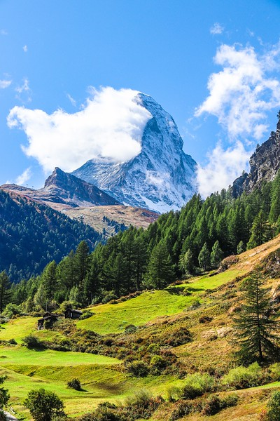 za2All Zermatt T7i 916A, SMALL, Matterhorn vertical from bus stop.jpg
