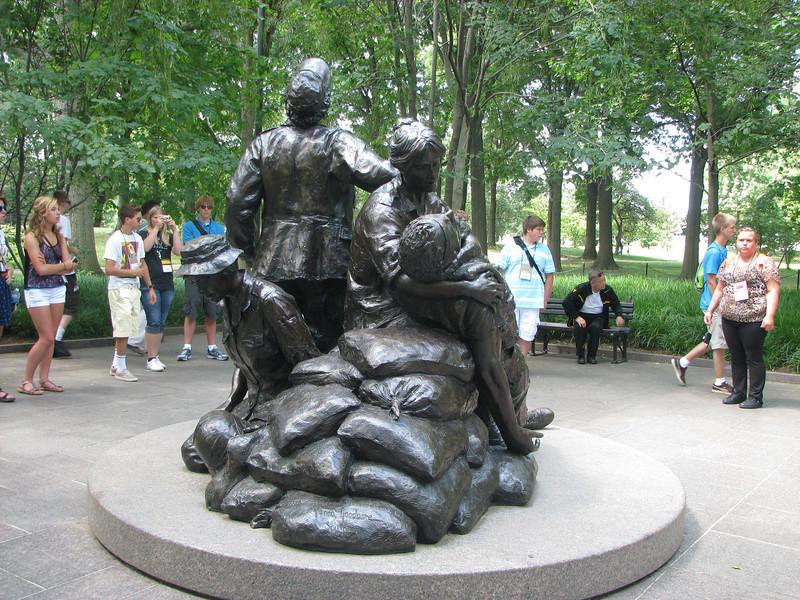 Memorial honoring women in the service