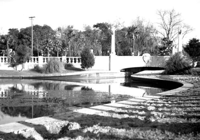 springfield park - 1940.jpg