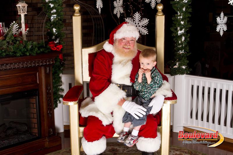 Santa Dec 15-143.jpg