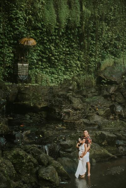 VTV_family_photoshoot_with_waterfall_Bali (61).jpg
