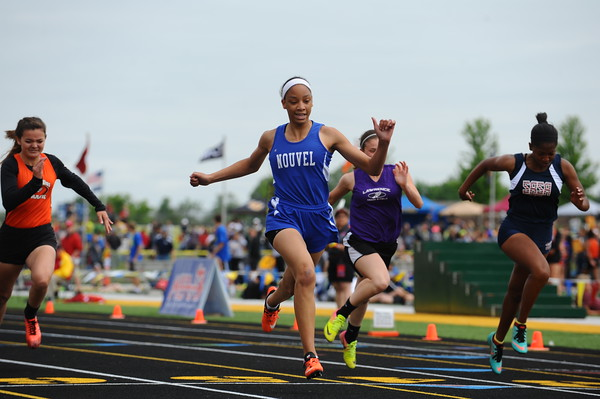 D4 Girls' 100 Meter PRELIMS - 2018 MHSAA LP T&F Finals