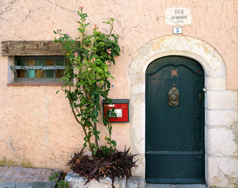 08_19 toulon old village number 5 DSC04511.JPG