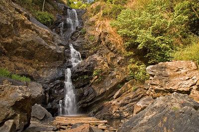 Irpu Falls and around