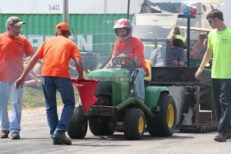 St. Paul Park tractor pull 2013 035.JPG