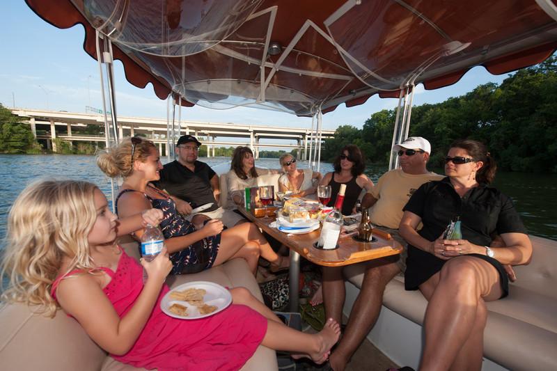Travelhost_Party-0851.jpg
