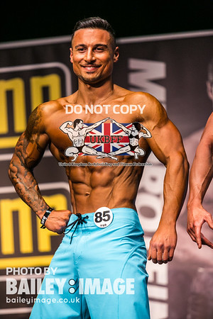 MEN'S PHYSIQUE UP TO 175cm