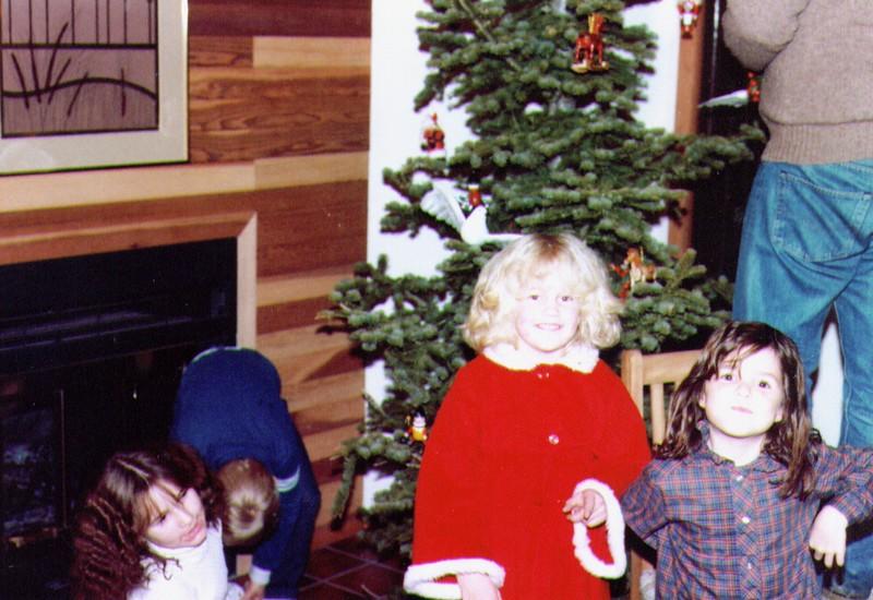 Monica,Russ,Crissy,Nichole,Mike, 12-25-83  .jpg