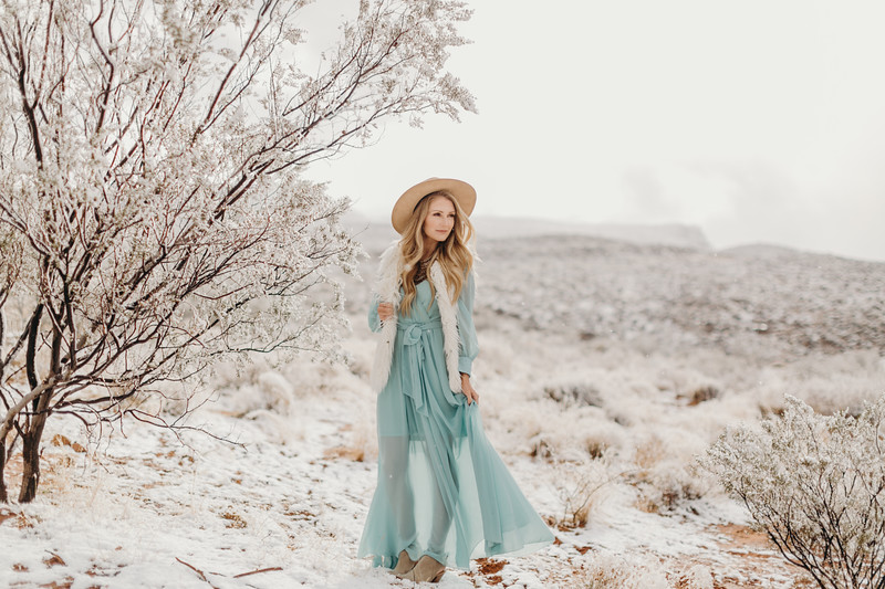 Natalie(snow)-17.jpg