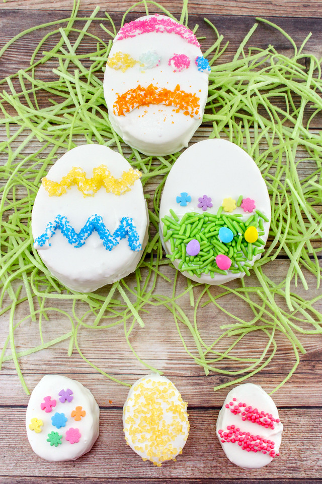 How cute are these Pound Cake Easter Eggs? The good news is that they only require a few ingredients and not a lot of time. It's my favorite #Easter #Recipe
