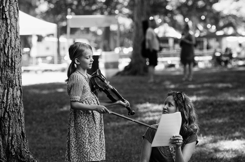 fiddle mom-daughter.jpg