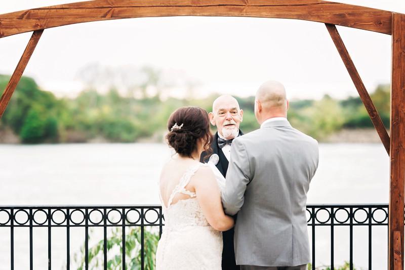 chateau-on-the-river-trenton-michigan-wedding-0276.jpg