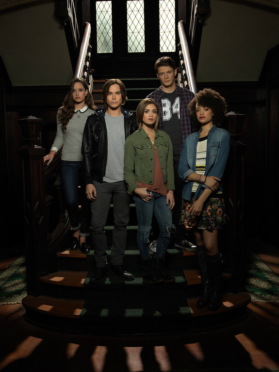 """. RAVENSWOOD - ABC Family\'s \""""Ravenswood\"""" stars Merritt Patterson as Olivia Matheson, Tyler Blackburn as Caleb Rivers, Nicole Gale Anderson as Miranda, Brett Dier as Luke Matheson and Britne Oldford as Remy Bueaumont. (ABC FAMILY/Bob D\'Amico)"""