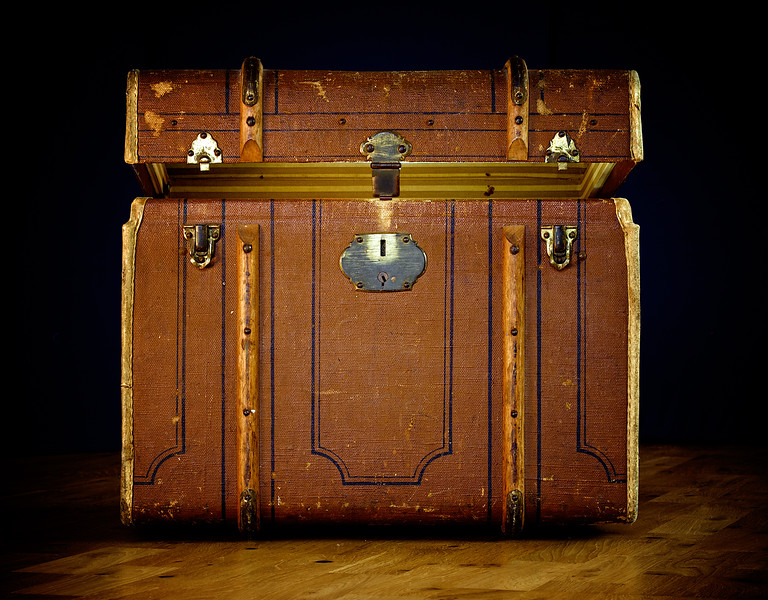 Old travel suitcase.jpg