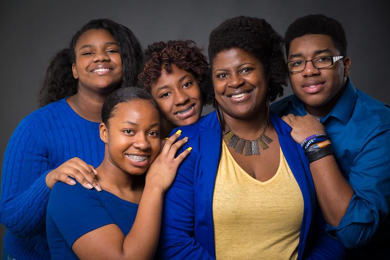Ebony's Family-9882.jpg