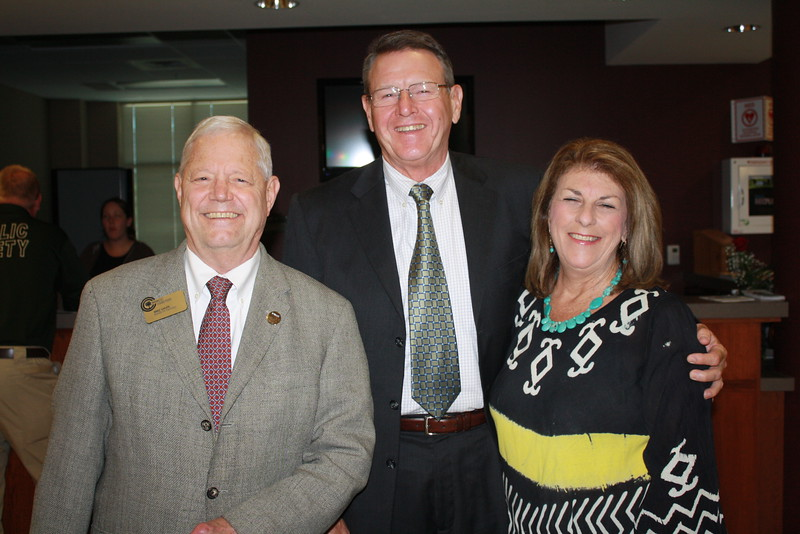 Mike Shupe with David & Linda Thrasher.JPG