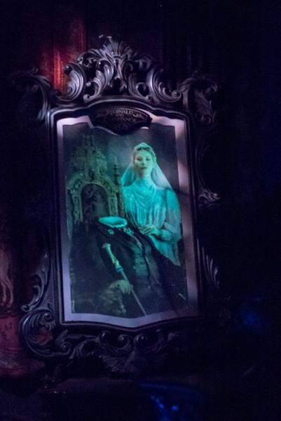 Haunted Mansion Bride Portrait - Magic Kingdom Walt Disney World