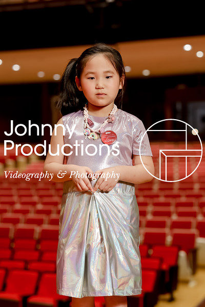 0021_day 1_orange & green shield portraits_red show 2019_johnnyproductions.jpg