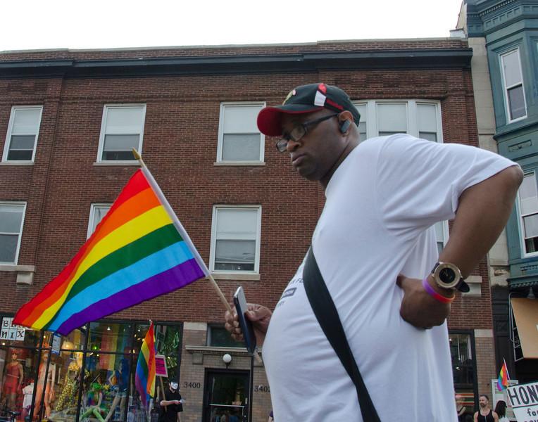 GayRainbowflagManDSC_4054.jpg