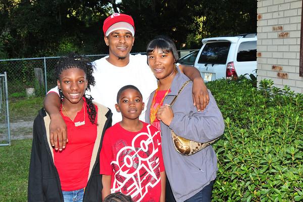 James-Bryant-Family-Thnxgvg-11