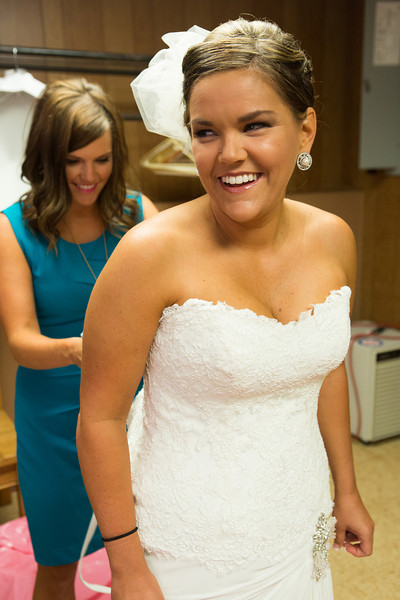 Preparations for a wedding at State Road Church and Kewanee Dunes Country Club near Kewanee, IL. Wedding photographer – Ryan Davis Photography – Rockford, Illinois.