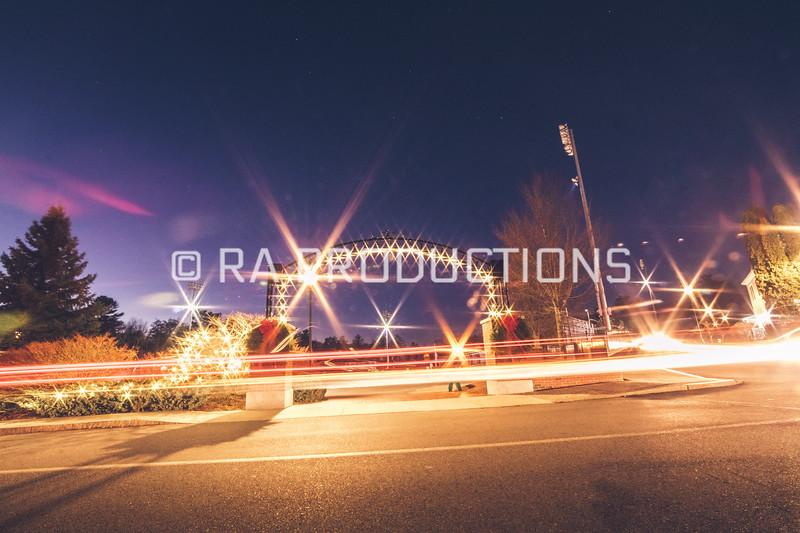 12042018_RAC_Campus-Wreaths-25.jpg