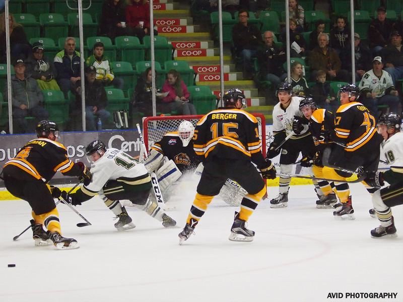 Okotoks Oilers vd Olds Grizzlys Oct20 AJHL (16).jpg